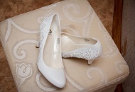 Choose the Perfect Shoes for your Wedding in Los Angeles image